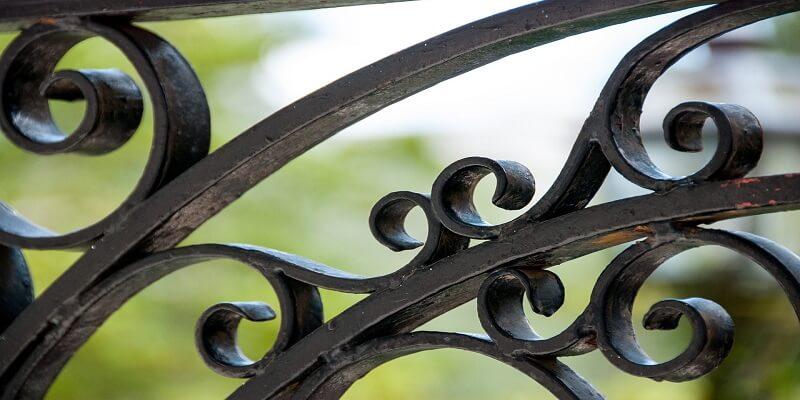 Dipingere Ferro Battuto.Come Verniciare Un Cancello In Ferro O La Ringhiera Del