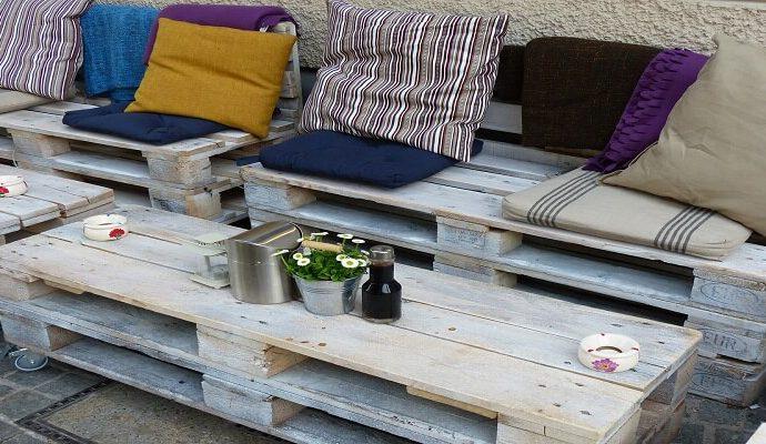 Arredare la casa con mobili fai da te: bancali e riciclo creativo